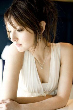 Leah_dizon5_2